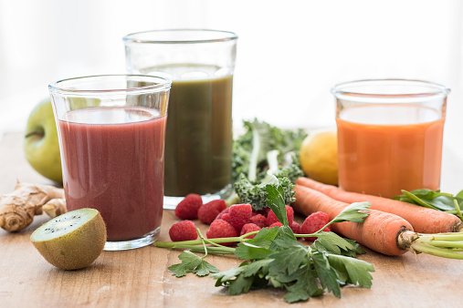 Vegetable Juice「Studio shot of fruit and vegetable juices」:スマホ壁紙(4)