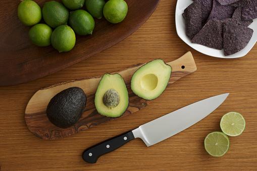 かんきつ類「Studio shot of avocado for guacamole」:スマホ壁紙(5)