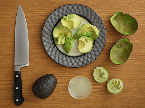 Avocado「Studio shot of avocado for guacamole」:スマホ壁紙(5)