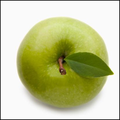 リンゴ「Studio shot of green apple, directly above」:スマホ壁紙(15)