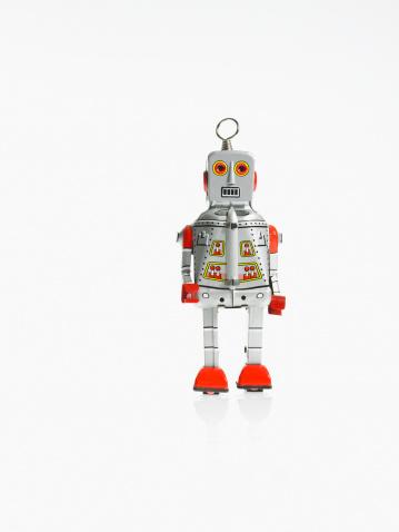 Figurine「Studio shot of robot」:スマホ壁紙(11)