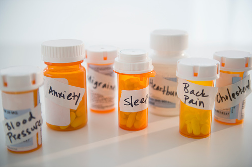 Anxiety「Studio shot of pill bottles」:スマホ壁紙(6)