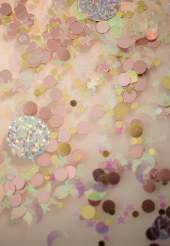 お正月「Studio shot of shiny confetti」:スマホ壁紙(18)