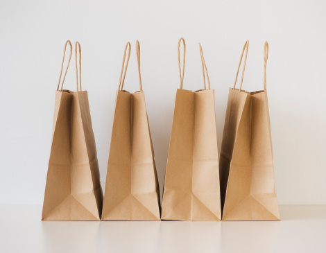 Four Objects「Studio shot of shopping bags」:スマホ壁紙(10)