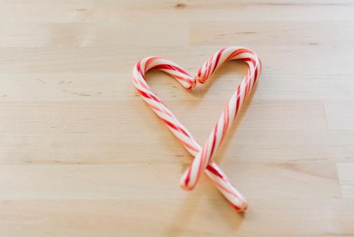 Candy Cane「Studio shot of Christmas heart shaped candies」:スマホ壁紙(2)