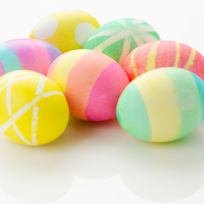 イースター「Studio shot of colorful Easter eggs」:スマホ壁紙(5)