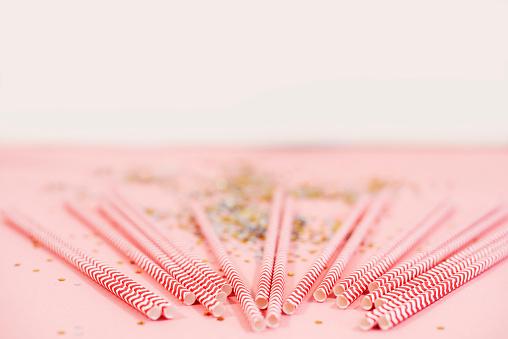 大晦日「Studio shot of drinking straws. Debica, Poland」:スマホ壁紙(15)