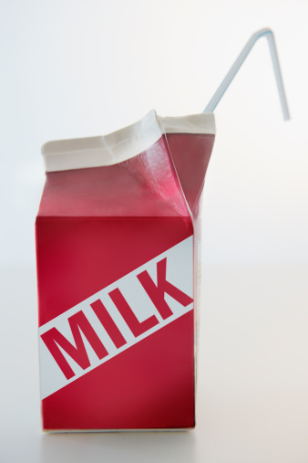 英字「Studio Shot of milk carton」:スマホ壁紙(18)