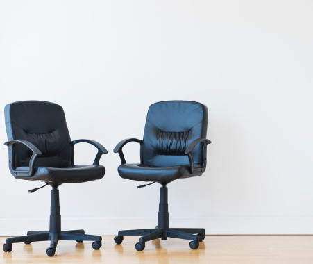 Two Objects「Studio shot of two black office chairs」:スマホ壁紙(12)