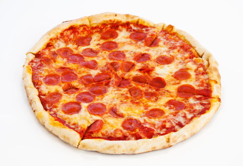 Red Meat「Studio shot of pepperoni pizza」:スマホ壁紙(3)