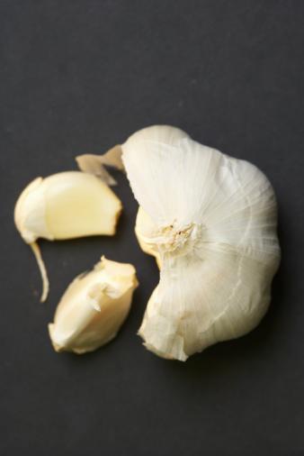 Garlic Clove「Studio shot of garlic bulb and cloves」:スマホ壁紙(18)