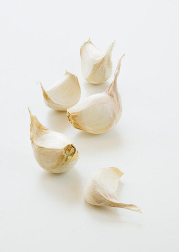 Garlic Clove「Studio shot of fresh garlic cloves」:スマホ壁紙(16)