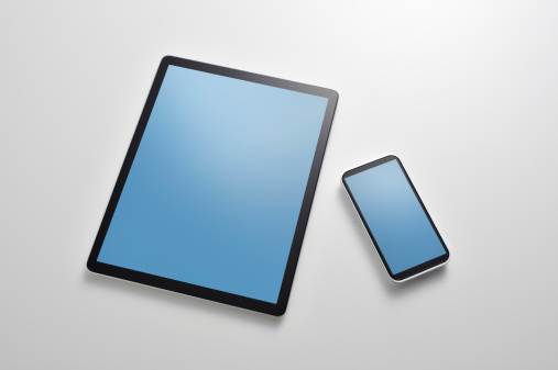 Digital Tablet「Studio shot of digital tablet and smart phone」:スマホ壁紙(10)