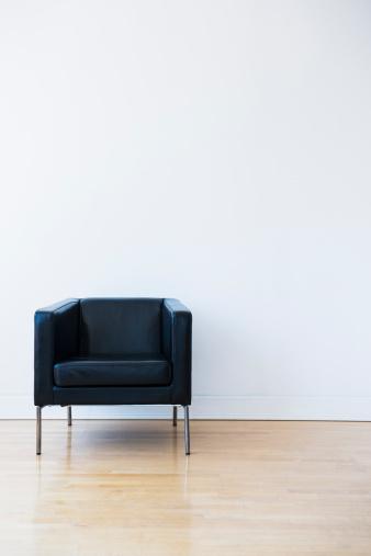 Chair「Studio shot of black leather chair」:スマホ壁紙(8)