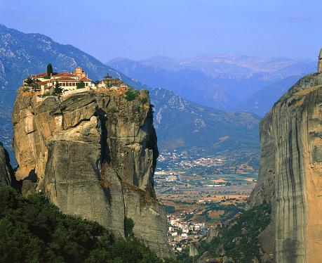 Steep「Monestary Meteora in Greece」:スマホ壁紙(14)