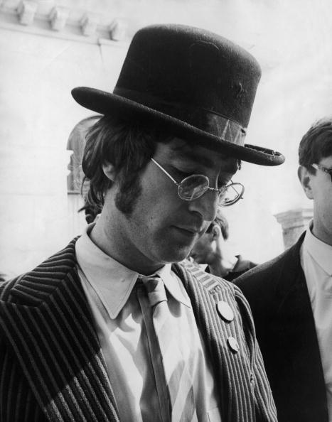 Writing「Lennon In Plymouth」:写真・画像(1)[壁紙.com]