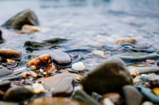 Riverbank「Pepples on rhine riverbank」:スマホ壁紙(11)