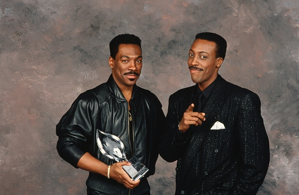 Film Industry「Eddie Murphy & Arsenio Hall at the People's Choice Awards」:写真・画像(2)[壁紙.com]