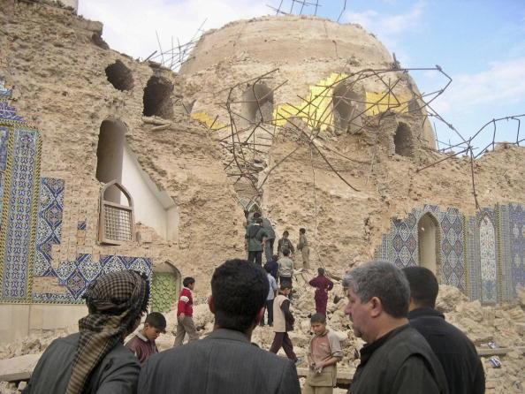 Architectural Feature「Shiite Golden Dome Shrine bombed in Iraq」:写真・画像(12)[壁紙.com]