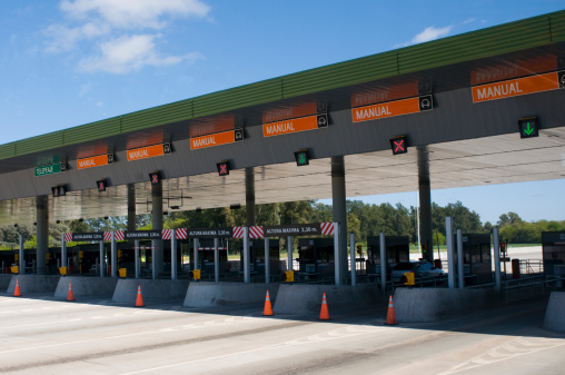 Buenos Aires「A toll plaza on the Pan Americana Highway」:スマホ壁紙(6)