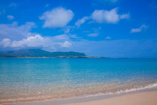 ビーチ「Blue Sky Over Beach」:スマホ壁紙(16)