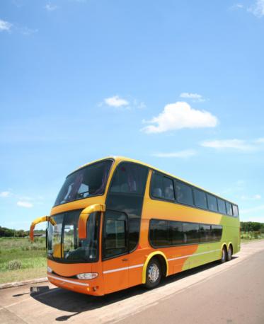 Tour Bus「Blue sky over modern bus」:スマホ壁紙(14)