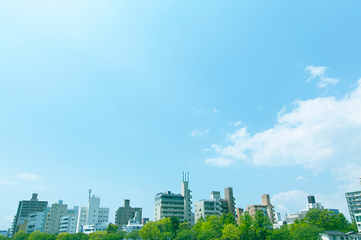 Grove「Blue sky over buildings」:スマホ壁紙(4)