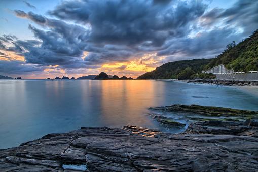 Basalt「Sunset in island near Okinawa, Japan, Ryukyu Islands」:スマホ壁紙(10)