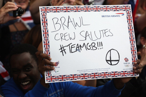 2012 Summer Paralympics - London「Messages Of Support Are Held Aloft During The Olympic Parade」:写真・画像(17)[壁紙.com]