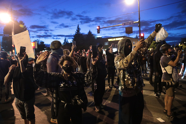 Minnesota「Protests Continue Over Death Of George Floyd, Killed In Police Custody In Minneapolis」:写真・画像(10)[壁紙.com]