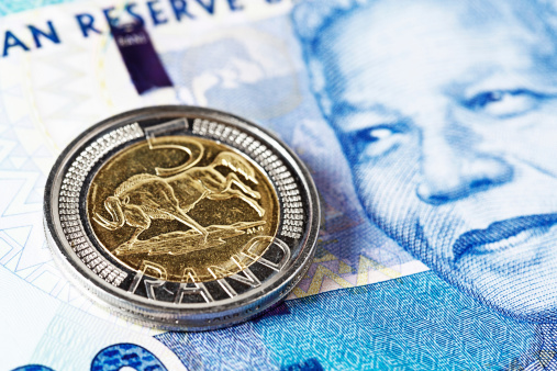 South Africa「Five Rand coin rests on new Mandela South African banknote」:スマホ壁紙(12)