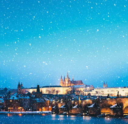Charles Bridge「Snowing In Prague」:スマホ壁紙(16)