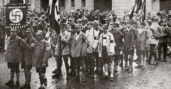 Weimar「Parade By Members Of The SA Weimar Germany 1926」:写真・画像(19)[壁紙.com]