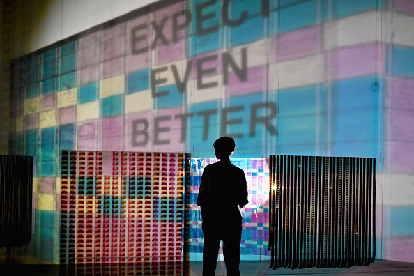 Offbeat「Preview Of The Flashlight Filmstrip Projections Installation」:写真・画像(18)[壁紙.com]