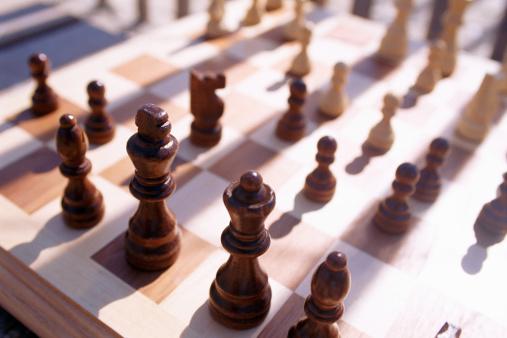 チェス「Chess board and pieces」:スマホ壁紙(9)