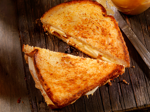 Toasted Sandwich「Grilled Peanut Butter and Banana Sandwich」:スマホ壁紙(6)