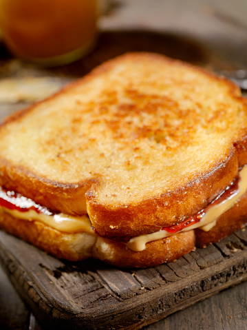 Toasted Food「Grilled Peanut Butter and Jelly Sandwich」:スマホ壁紙(8)