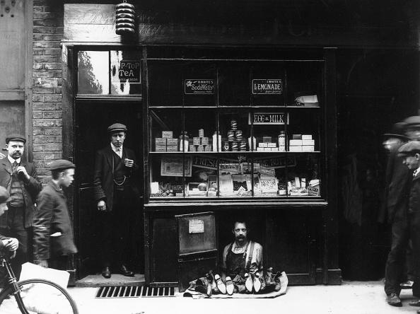 Monochrome「The Smallest Shop」:写真・画像(18)[壁紙.com]