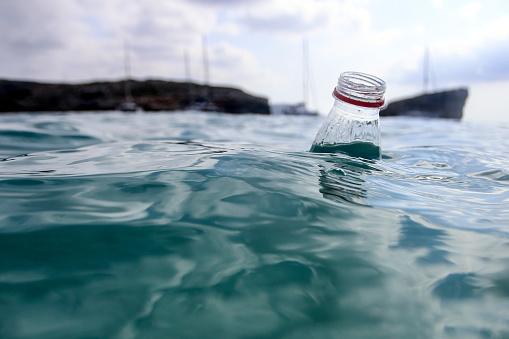 Ecosystem「Plastic waste」:スマホ壁紙(5)