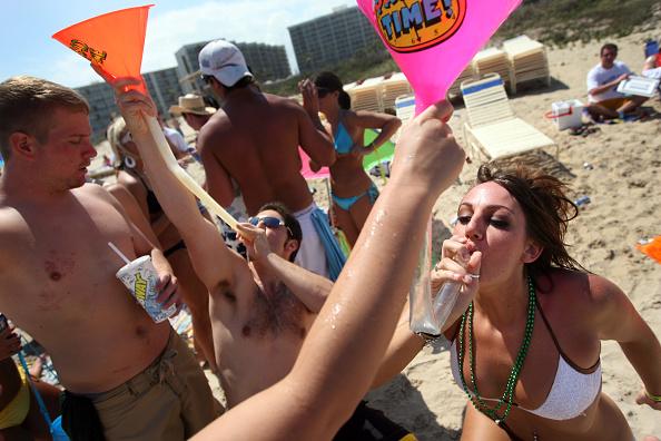 Beach「Spring Break Revelers Flock To Texas's South Padre Island」:写真・画像(7)[壁紙.com]