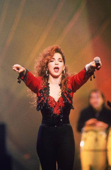 Cropped Jacket「Gloria Estefan」:写真・画像(17)[壁紙.com]