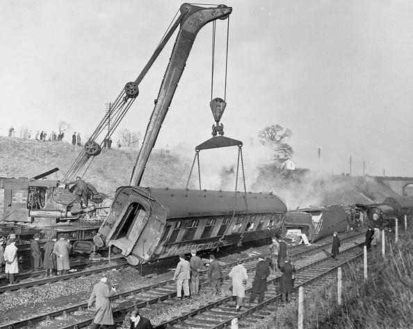 Train Crash「Wreckage Clearance」:写真・画像(13)[壁紙.com]