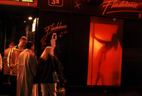Heterosexual Couple「strip club in Budapest」:写真・画像(12)[壁紙.com]
