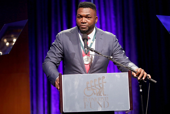 David Ortiz「32nd Annual Great Sports Legends Dinner To Benefit The Miami Project/Buoniconti Fund To Cure Paralysis - Dinner」:写真・画像(17)[壁紙.com]