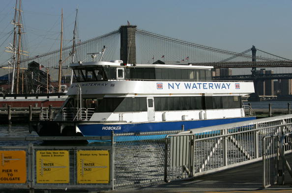 Ferry「New York Waterway Begins Eliminating Ferry Routes」:写真・画像(8)[壁紙.com]
