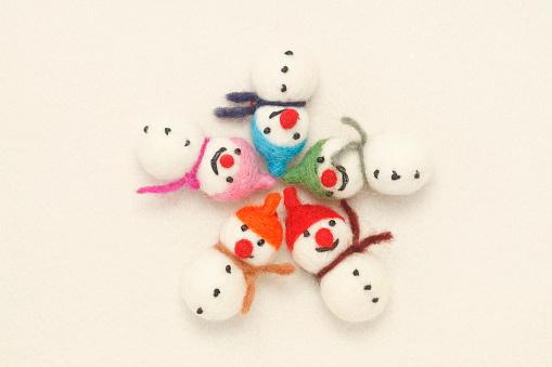 雪だるま「Two felted snowmen」:スマホ壁紙(3)