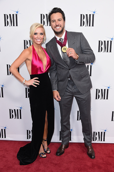Hot Pink「65th Annual BMI Country Awards - Arrivals」:写真・画像(19)[壁紙.com]