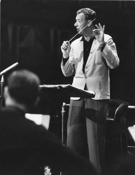 Conductor's Baton「Britten Conducting」:写真・画像(16)[壁紙.com]