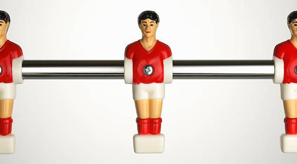table football player on chrome rod:スマホ壁紙(壁紙.com)
