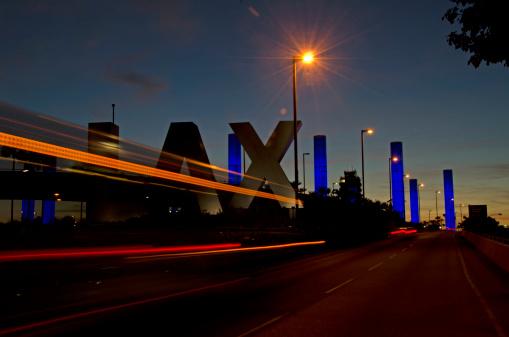 LAX Airport「LAX sign at sunset」:スマホ壁紙(11)